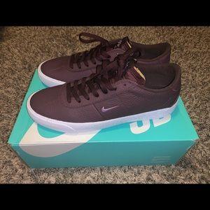 Nike sb zoom burin size 9m and 10.5w